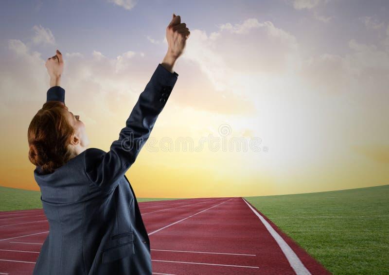 Zusammengesetztes Bild Digital einer Geschäftsfrau, die das Rennen gewinnt lizenzfreie stockbilder