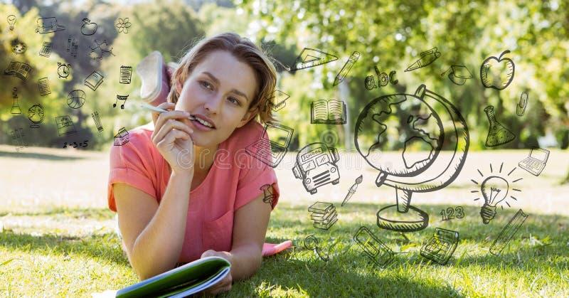 Zusammengesetztes Bild Digital von verschiedenen Mathegleichungen durch durchdachten Studenten auf Feld lizenzfreie stockbilder