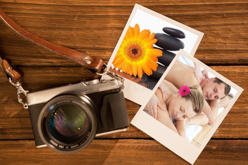 Zusammengesetztes Bild von den entspannenden Paaren, die eine Massage haben lizenzfreies stockbild