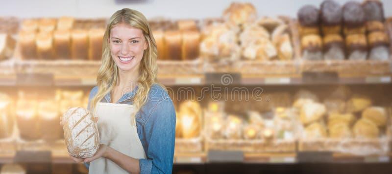 Zusammengesetztes Bild von den jungen Frauen, die Brot zeigen stockfoto