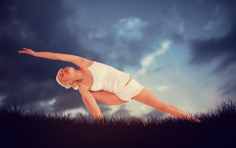Zusammengesetztes Bild von in voller Länge eines sportlichen übenden Yoga der jungen Frau lizenzfreie stockfotografie