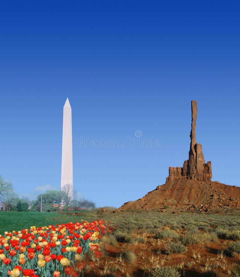 Zusammengesetztes Bild Washington Monuments und der hohen Felsformation im Monument-Tal stockbilder