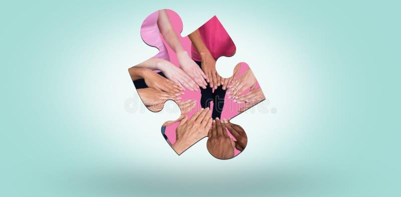 Zusammengesetztes Frauenbild in den rosa Ausstattungen, die einen Kreis für Brustkrebsbewusstsein sich anschließen stock abbildung