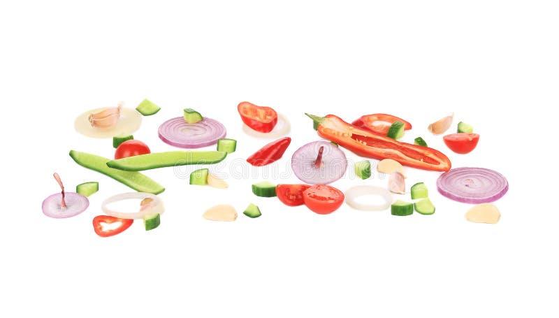 Zusammensetzung des frischen geschnittenen Gemüses stockfotos