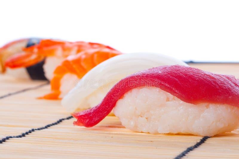 Zusammenstellung der japanischen Sushi stockfotografie
