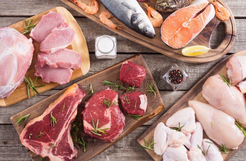 Zusammenstellung des Fleisches und der Meeresfr?chte stockbilder