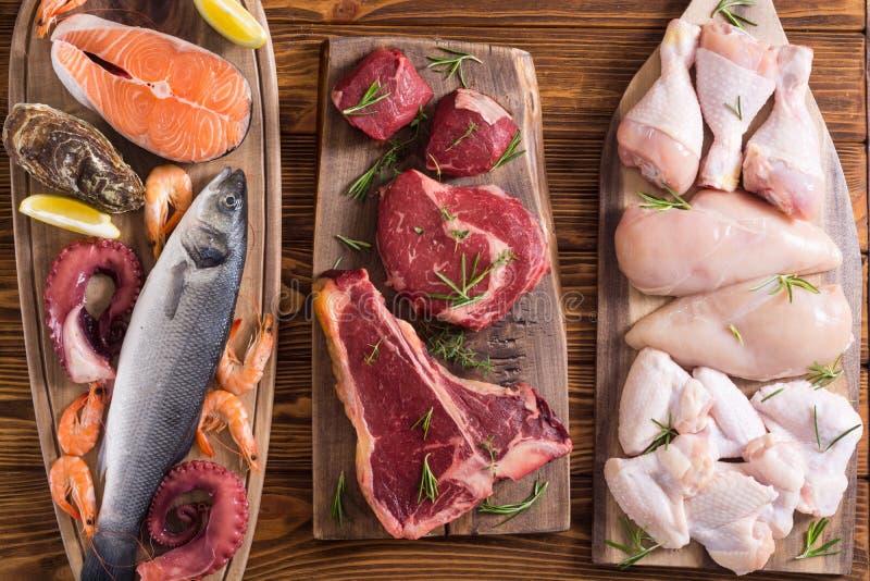 Zusammenstellung des Fleisches und der Meeresfr?chte stockfotografie
