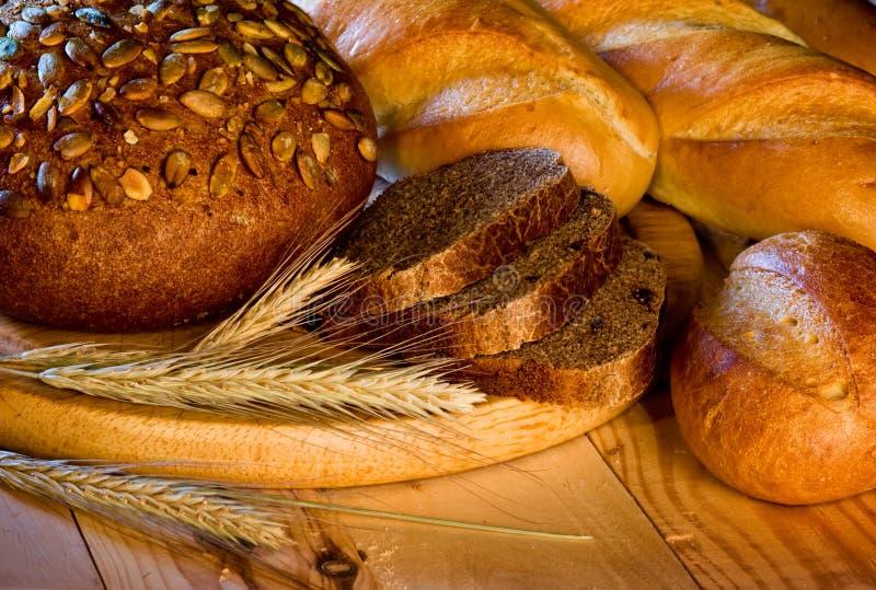 Zusammenstellung des gebackenen Brotes lizenzfreie stockfotografie