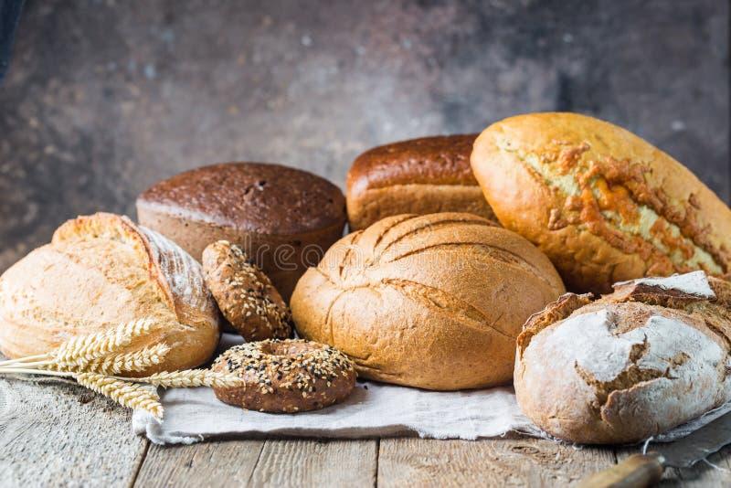 Zusammenstellung des gebackenen Brotes lizenzfreie stockfotos