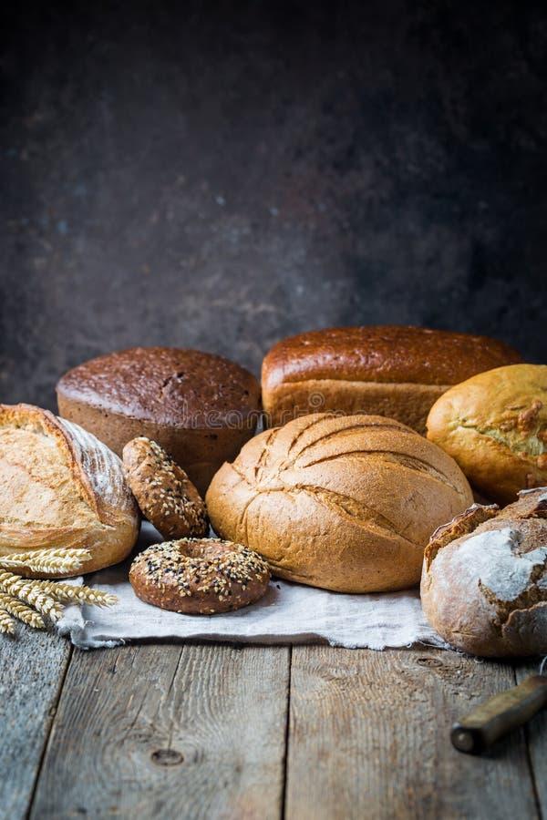 Zusammenstellung des gebackenen Brotes lizenzfreie stockbilder