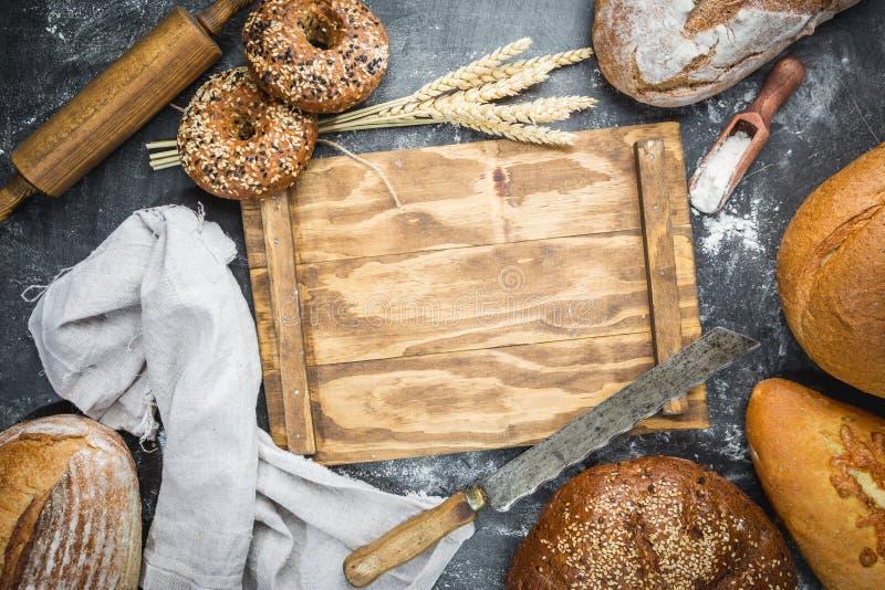 Zusammenstellung des gebackenen Brotes lizenzfreies stockfoto