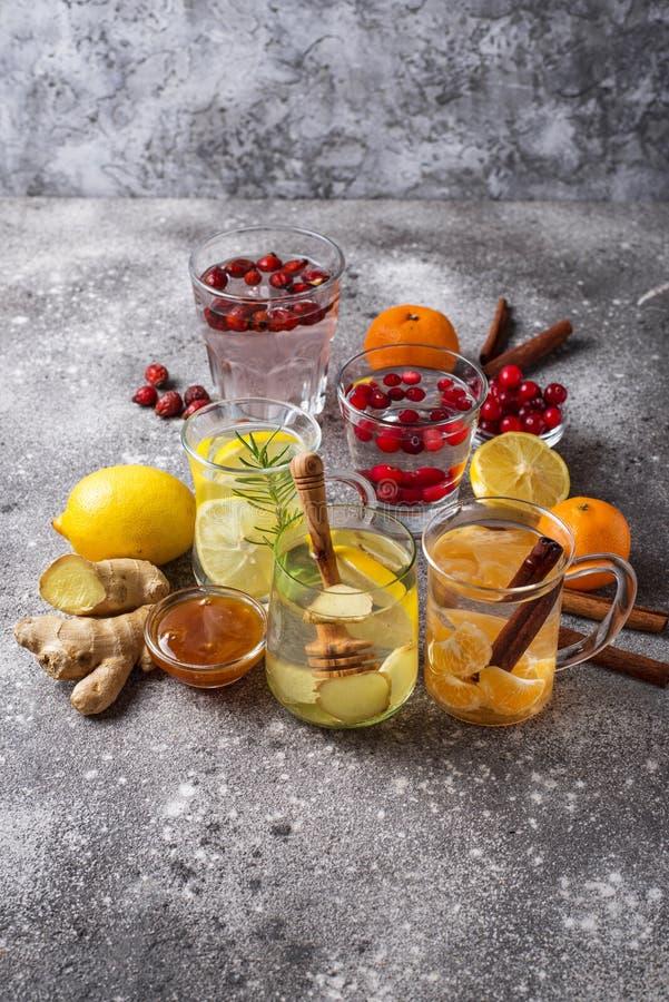 Zusammenstellung des gesunden Tees des Winters f?r die Immunit?tsf?rderung lizenzfreie stockbilder