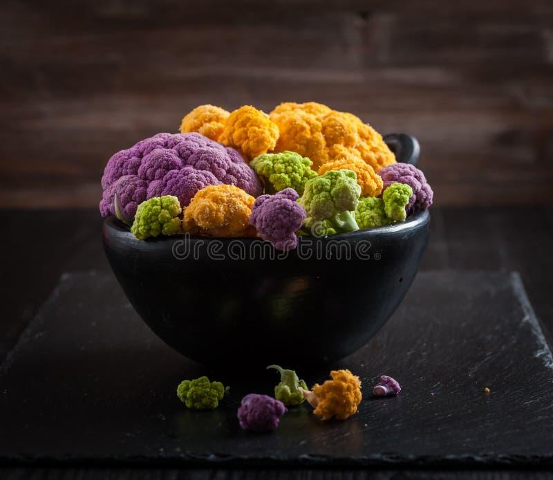 Zusammenstellung des organischen Blumenkohls lizenzfreies stockfoto