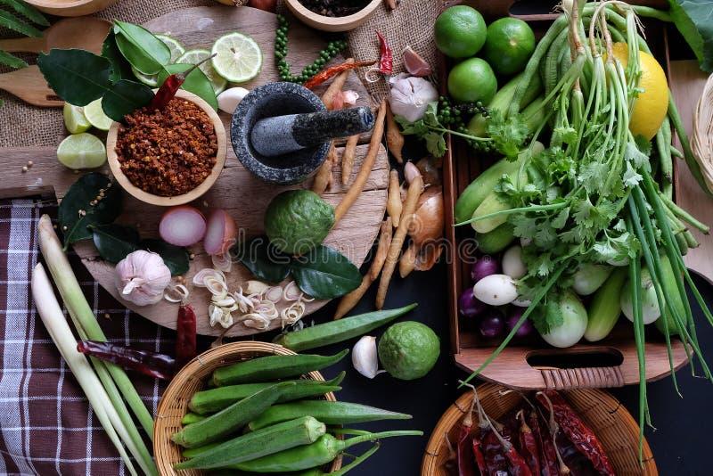 Zusammenstellung des thailändischen Lebensmittels Bestandteile kochend Würzt Bestandteile lizenzfreies stockfoto