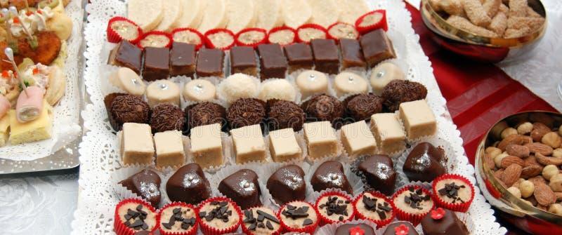 Zusammenstellungsschokoladen-Pralinenbonbons stockfotografie