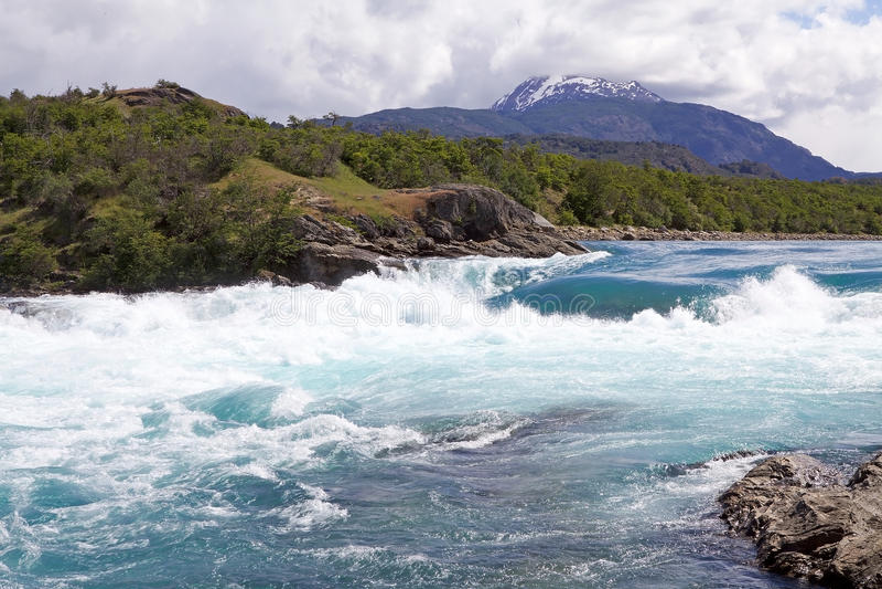 Zusammenströmen des Bäckers River und des Nef-Flusses, Patagonia, Chile stockbilder