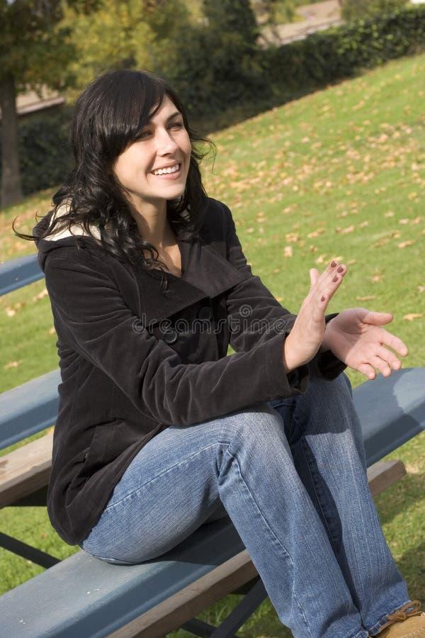 Zuschauertribüne-Frau stockfoto