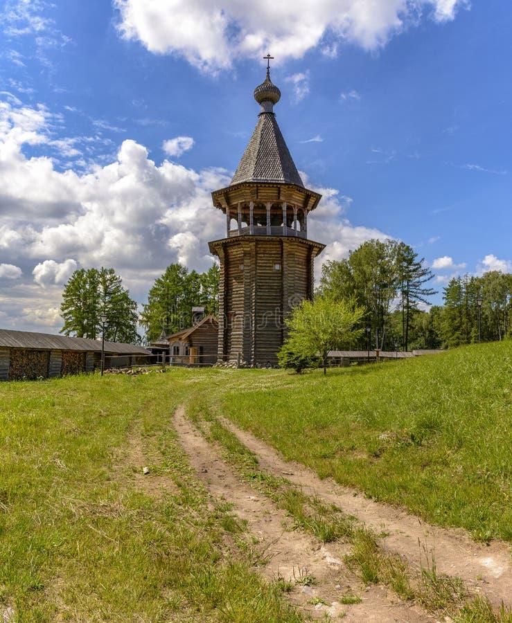 Zustand des Theologe ?- ethnopark in Vsevolozhsk-Bezirk von Leningrad-Region, stockfoto