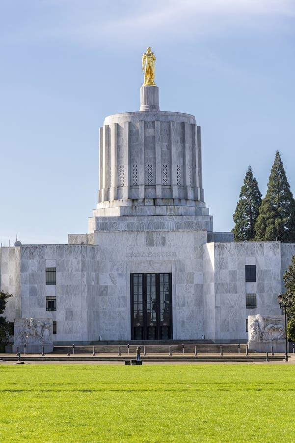 Zustandskapitol, das Salem Oregon errichtet stockfoto