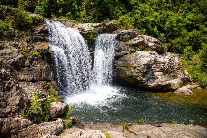 Zuster Waterfall Landscape, aard van het zuidelijke deel van Hainan-Provincie, China stock foto's