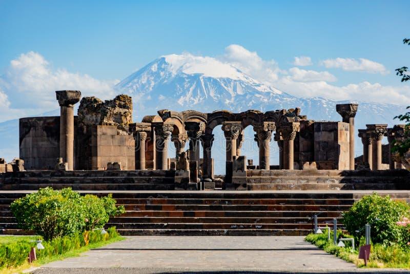 Zvartnos寺庙的废墟在耶烈万,亚美尼亚 免版税库存照片