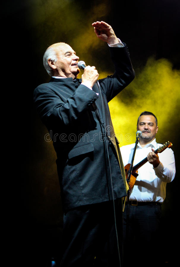 Zvonko Bogdan konsert i Ruma Serbien arkivbild