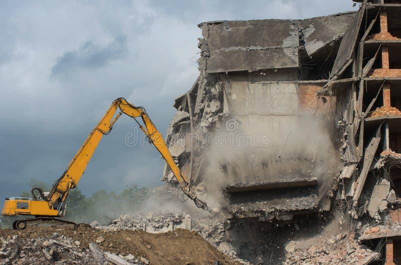 Zwaar om materiaal die worden gebruikt om tearing benedenbouwconstructie te scheuren Ogenblik van instorting royalty-vrije stock foto's
