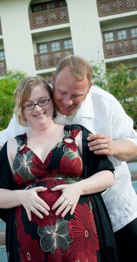 Zwanger Paar stock foto's