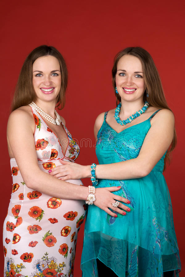 Zwangere tweelingen royalty-vrije stock afbeeldingen