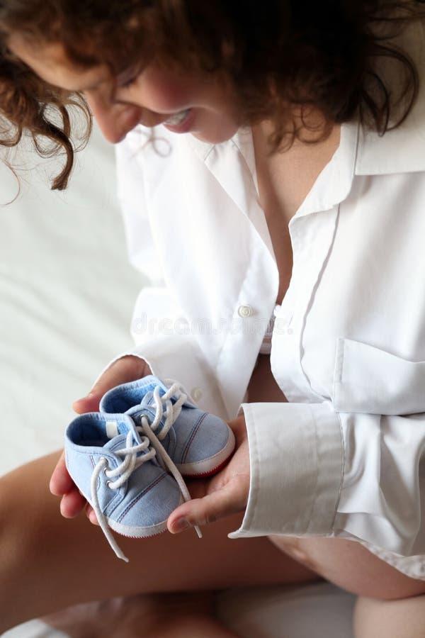Zwangere vrouw stock foto's