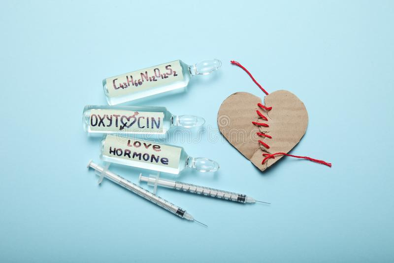 Zwangerschap en oxytocin hormooninjectie Liefdetherapie Gebroken Hart stock fotografie