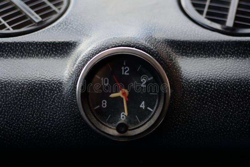 Zwart controlebord in een Russische auto stock foto's