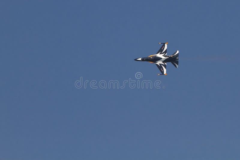 Download Zwart Eagles redactionele foto. Afbeelding bestaande uit aerobatics - 39100286