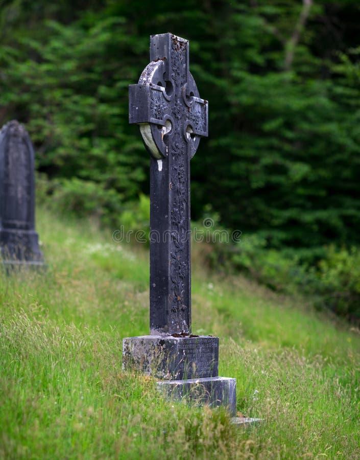 Zwart gemaakt Keltisch kruis in Kilmun-Parochiekerk royalty-vrije stock foto's