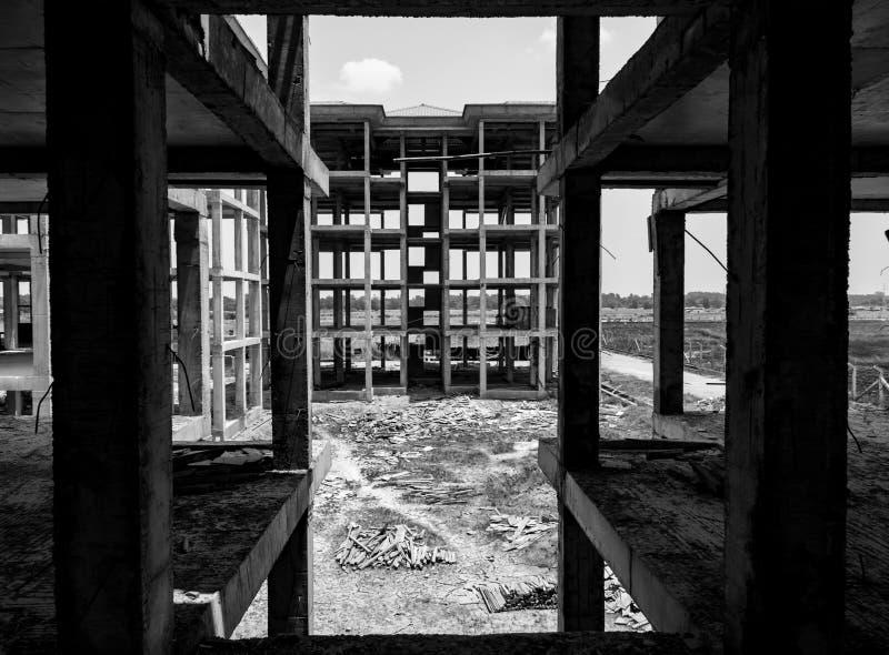 Zwart-wit beeld van bouwwerf in Yangon, Myanmar stock foto's