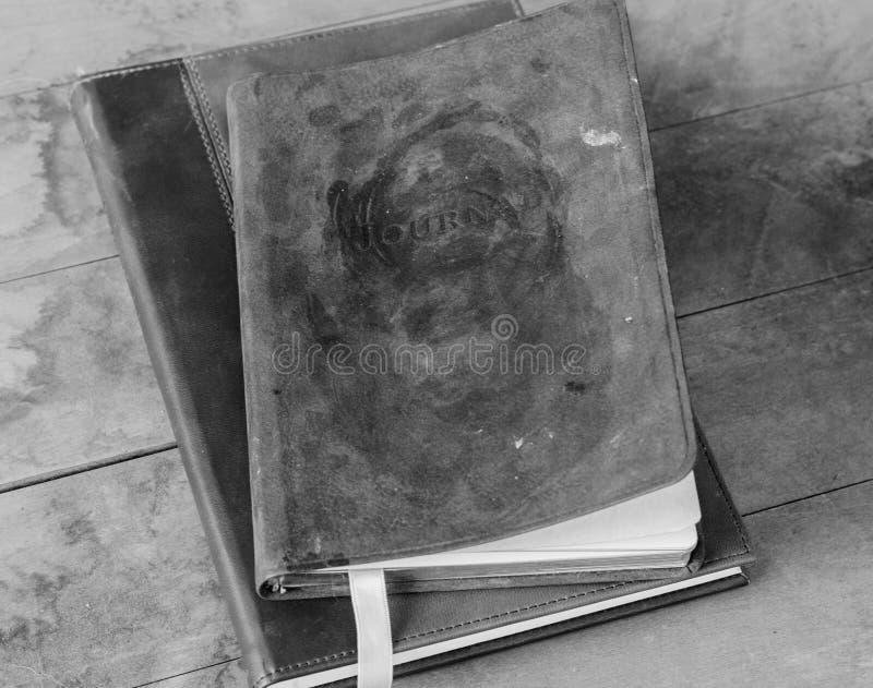 Zwart-wit dagboek stock afbeelding