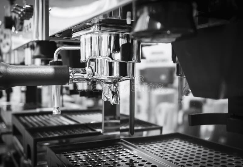 Zwart-wit de Koffierestaurant van de koffiemachine stock afbeelding