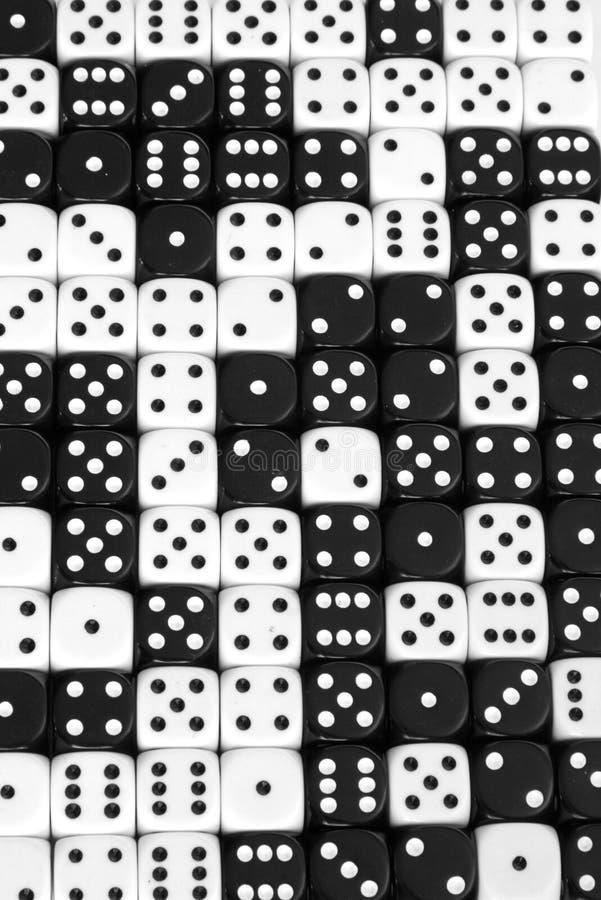 Zwart-wit dobbel achtergrond stock foto's