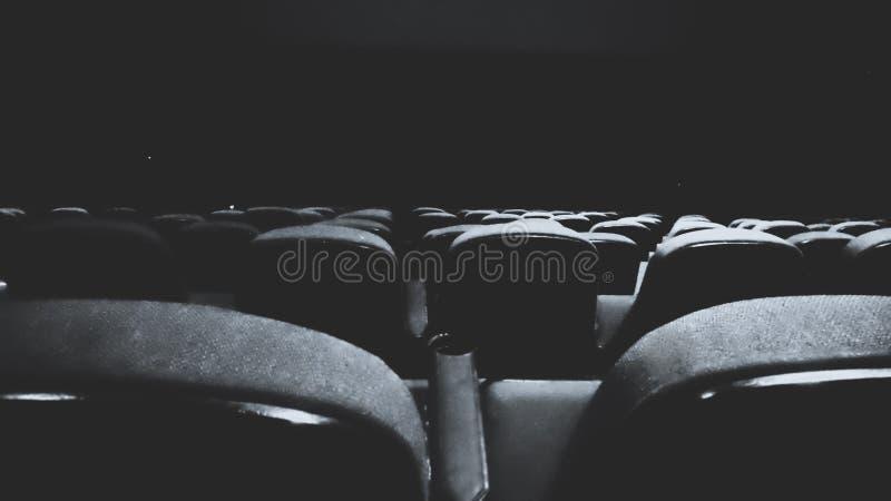 Zwart-wit filmtheater stock foto's