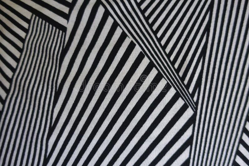 Zwart-wit geometrisch patroon op stof stock foto's