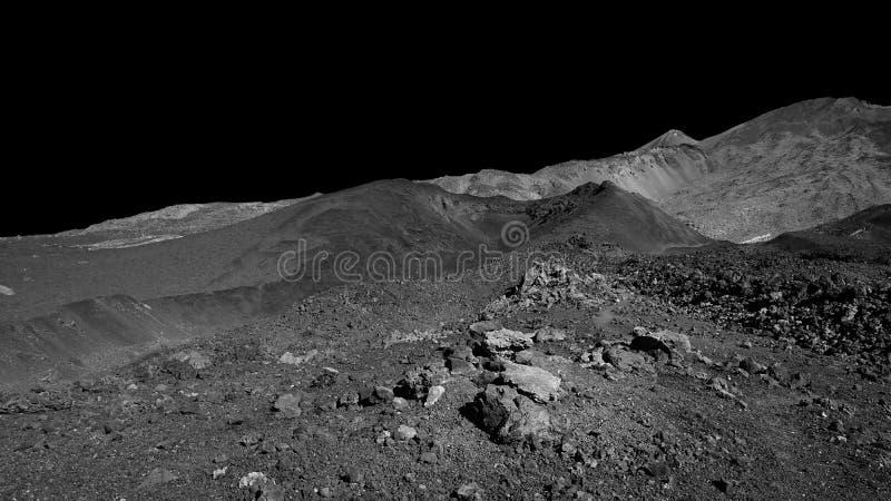Zwart-wit infrarood effect van het vulkanische landschap van Pico del Teide en Pico Viejo, Tenerife, Canarische Eilanden, Spanje stock foto's