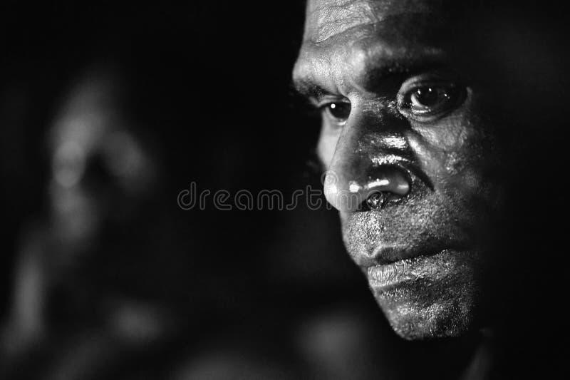 Zwart-wit Portret van de man Asmat stock afbeeldingen