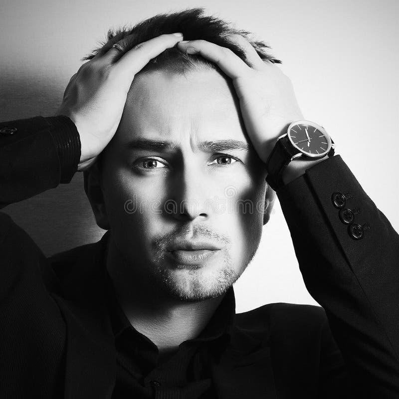 Zwart-wit portret van de Manier knappe mens Zakenman stock foto's