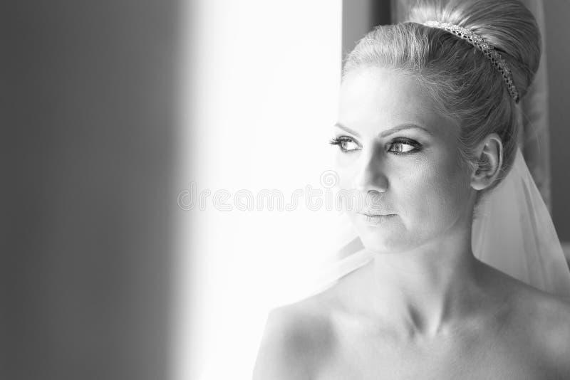Zwart-wit portret van een bruid royalty-vrije stock foto