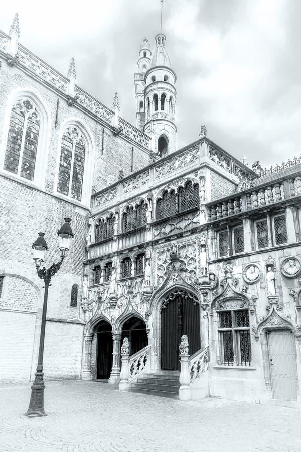 Zwart-wit schot van de Heilige Bloedbasiliek in Burg vierkante I stock foto