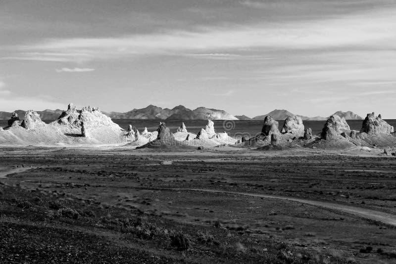 Zwart-witte foto van Trona Toppen in Californië stock foto's