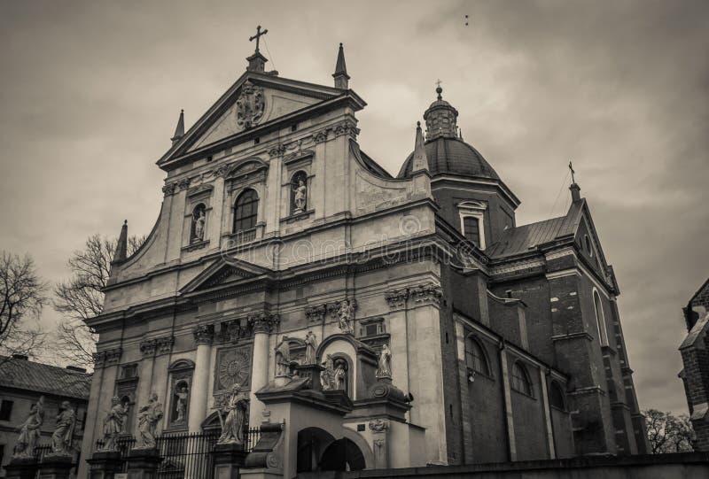 Zwart-witte mening van barokke Kerk van St Peter en Paul in Krakau, Polen royalty-vrije stock afbeeldingen