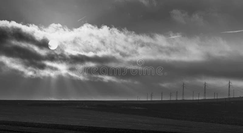Zwart-witte, Stormachtige Zonsopgang in Yambol, Bulgarije royalty-vrije stock afbeeldingen