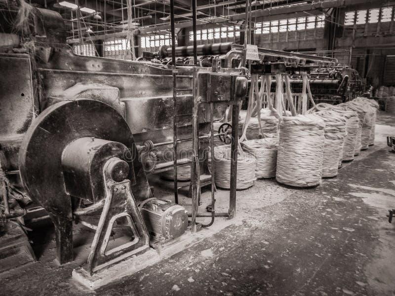 Zwart-witte Tinsel Twine Factory Port-Au-Prince Haiti stock foto