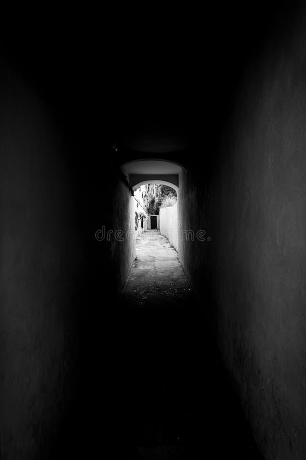 Zwart-witte tunnel royalty-vrije stock foto